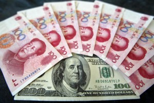 доллары США и китайские юани