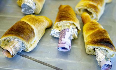 спрятаные деньги