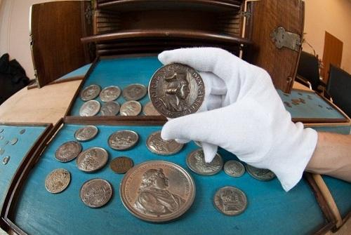 экспертиза монет