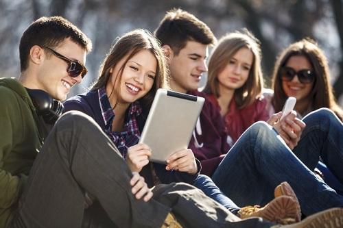 мобильные устройства людей