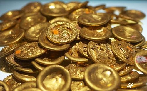 монеты из драгоценных материалов