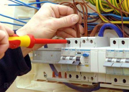 Как делать проводку в квартире видео